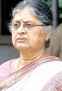 Aktori Sulabha Arya