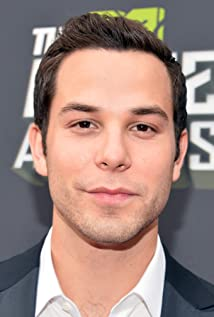 Skylar Astin  - 2018 Dark brown hair & alternative hair style.