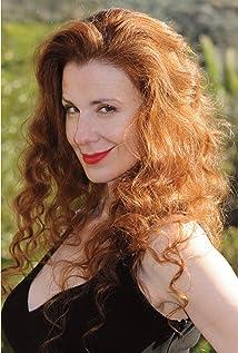 Suzie Plakson Picture