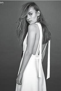 Aktori Olivia DeJonge