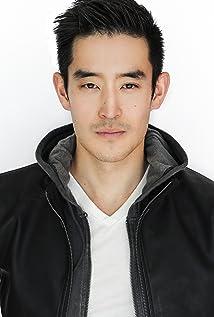 Aktori Mike Moh