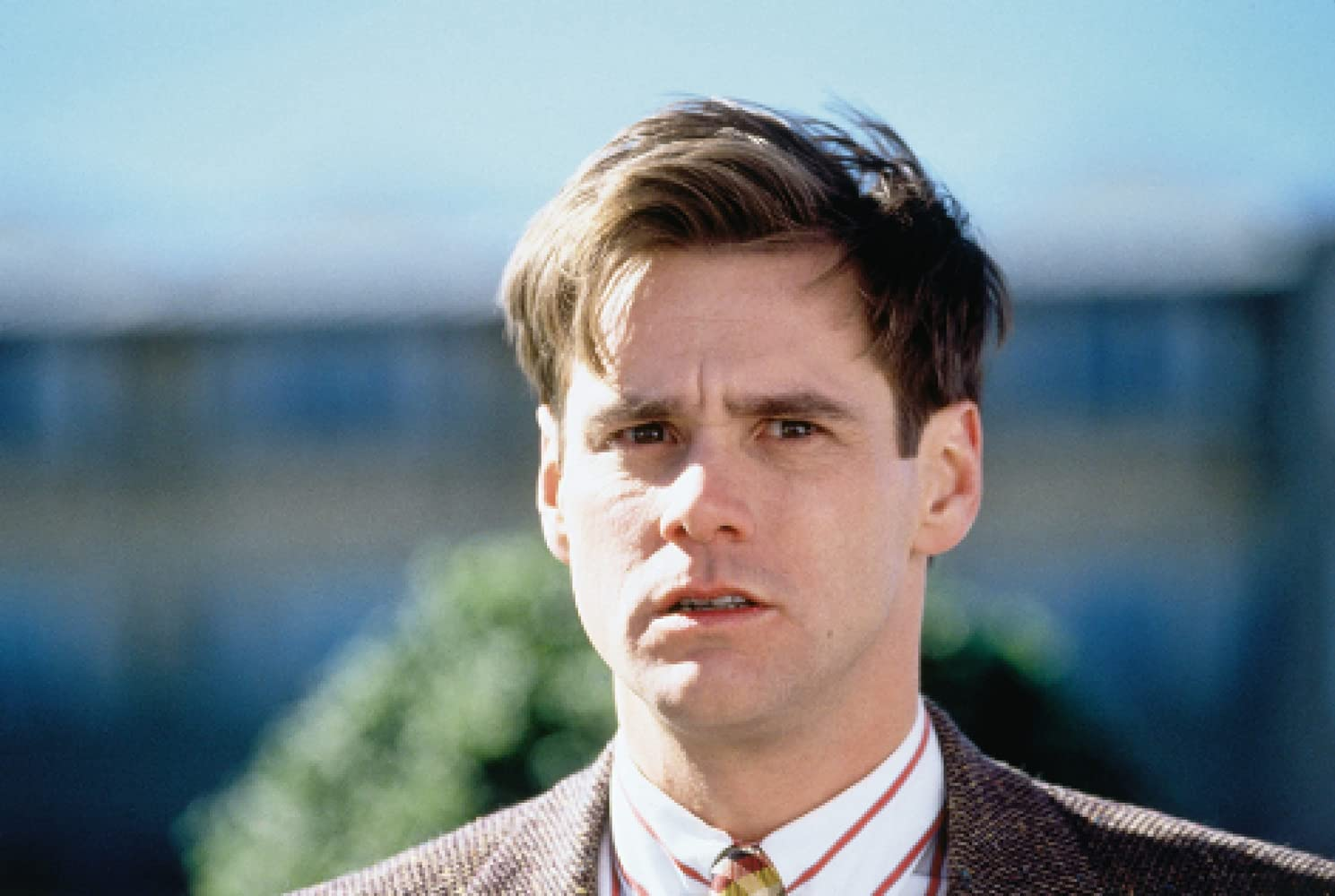 review on the truman show The truman show - official trailer a cool indictment of television's near-irresistible pandering to the inner peeping tom truman burbank (jim carrey) lives in preternaturally picturesque seahaven, an oasis of friendly neighbors and natural beauty, but finds himself increasingly troubled by the vague.