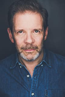 Thomas Jay Ryan Picture