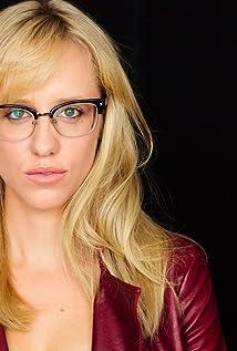 Aktori Betsy Holt