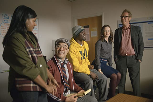 Kevin Hart, Rhys Ifans, Emily Blunt, Randall Park, and Mindy Kaling in The Five-Year Engagement (2012)