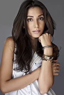 Monica Dogra Picture
