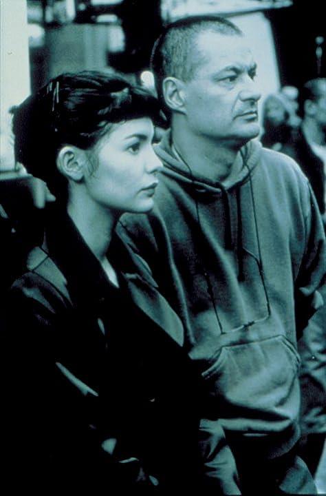 Jean-Pierre Jeunet and Audrey Tautou in Amélie (2001)