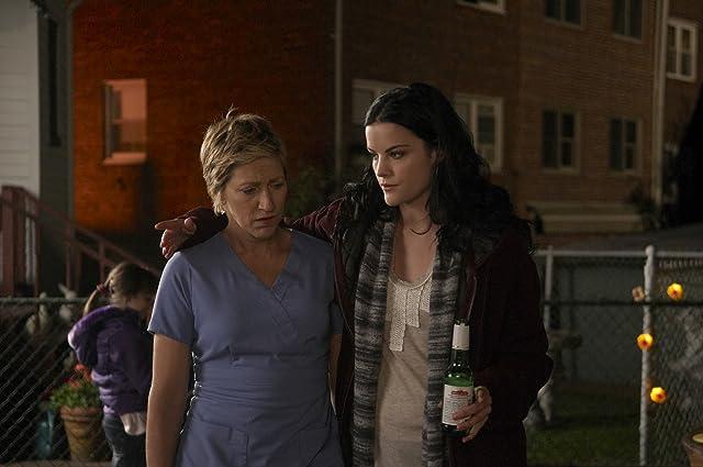 Edie Falco and Jaimie Alexander in Nurse Jackie (2009)
