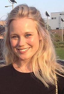 Pamela Romanowsky Picture