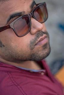 Aktori Anandeshwar Dwivedi