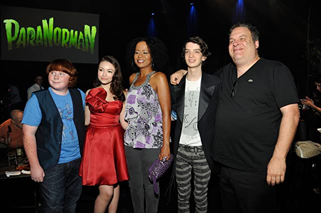 Jodelle Ferland, Jeff Garlin, Kodi Smit-McPhee, and Tucker Albrizzi at an event for ParaNorman (2012)