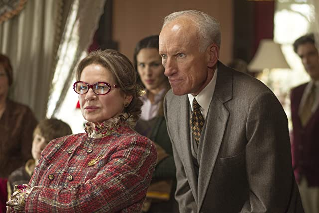 Dianne Wiest and James Rebhorn in The Odd Life of Timothy Green (2012)