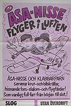 Image of Åsa-Nisse flyger i luften