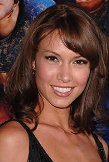 Sarah Larson Picture