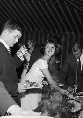 Marlo Thomas at her birthday party circa 1958