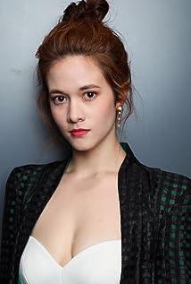 Aktori Augusta Xu-Holland