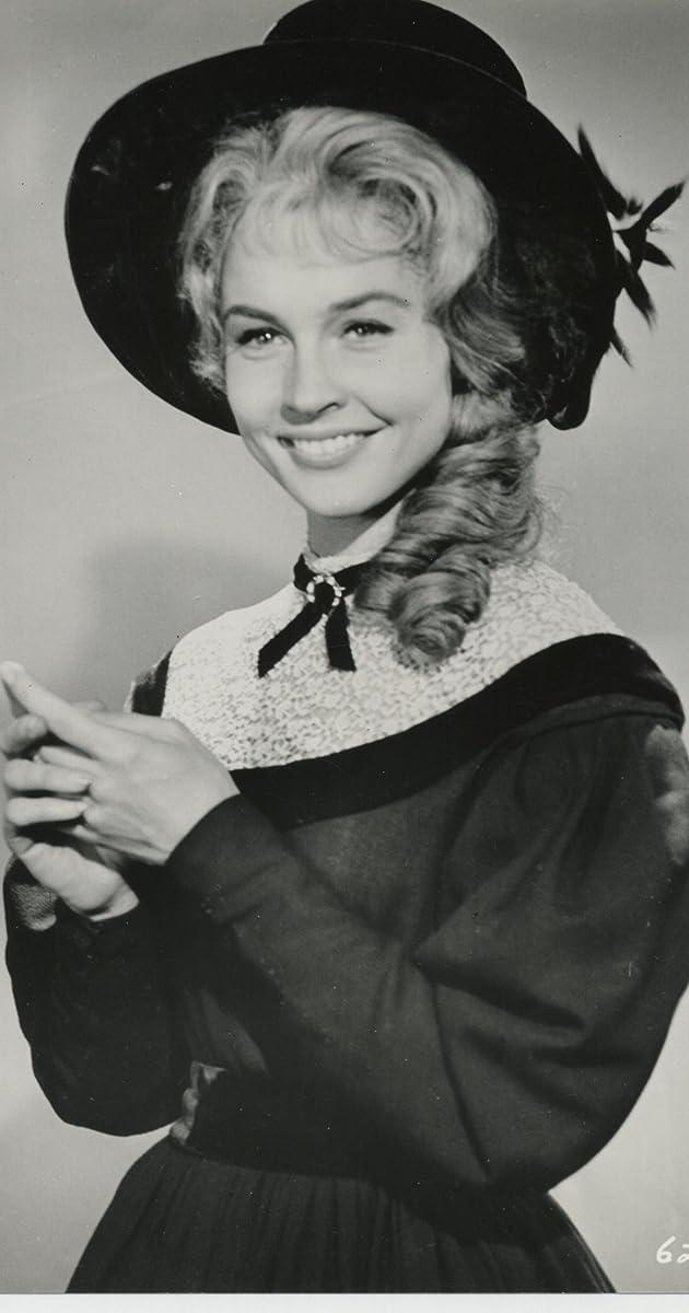 Maggie Pierce - IMDb