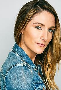 Aktori Kelly Walker