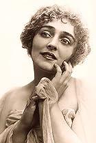 Image of Elsie MacLeod