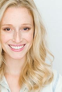 Claire Frederiksen Picture