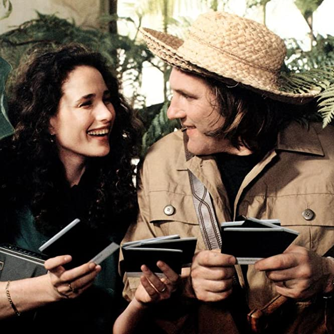 Gérard Depardieu and Andie MacDowell in Green Card (1990)