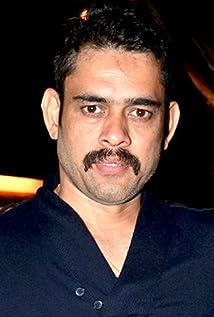 Aktori Vineet Sharma
