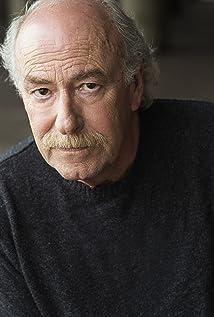 Aktori Lou Cariffe