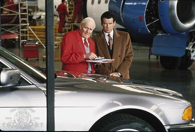 Pierce Brosnan and Desmond Llewelyn in Tomorrow Never Dies (1997)