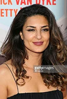 Aktori Salome Azizi
