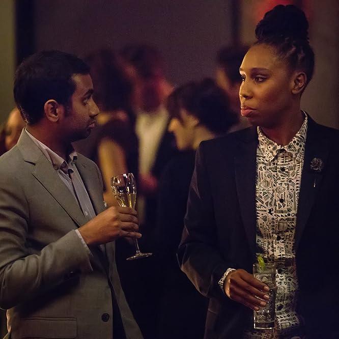 Aziz Ansari y Lena Waithe en Master of None (2015)