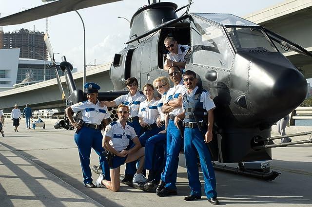Carlos Alazraqui, Mary Birdsong, Robert Ben Garant, Kerri Kenney, Thomas Lennon, Niecy Nash, Cedric Yarbrough, and Wendi McLendon-Covey in Reno 911!: Miami (2007)