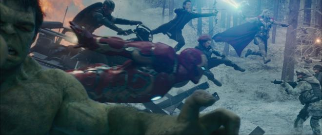 Robert Downey Jr., Chris Evans, Scarlett Johansson, Jeremy Renner, Mark Ruffalo, and Chris Hemsworth in Avengers: Age of Ultron (2015)