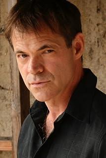 Aktori Stuart Hughes