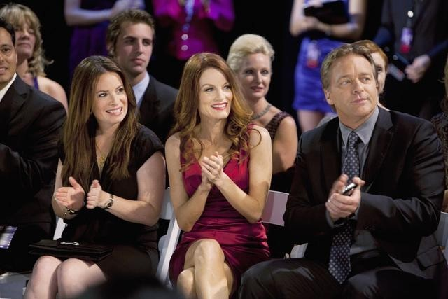 Holly Marie Combs, Roark Critchlow, and Laura Leighton in Pretty Little Liars (2010)