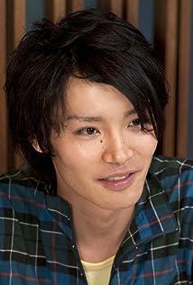 Yoshimasa Hosoya Picture