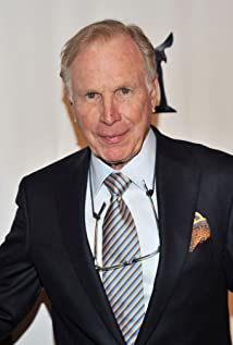 Wayne Rogers Picture
