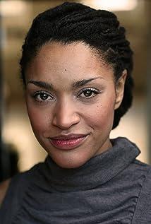 Aktori Kerri McLean