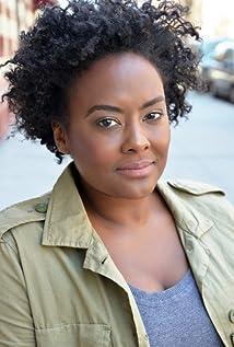 Aktori Blaire Brooks