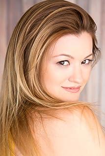 Leah McKendrick Nude Photos 65