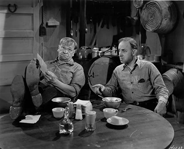 Wallace Beery and John Qualen in Alias a Gentleman (1948)