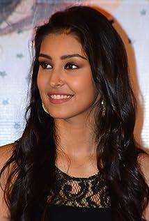 Aktori Navneet Kaur Dhillon