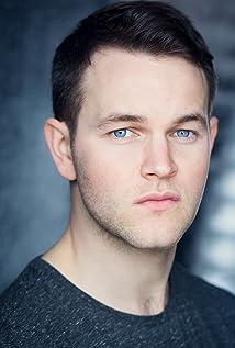 Aktori Daniel Easton