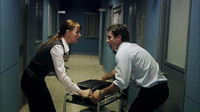Jacqueline McKenzie and Chris Vance in Mental (2009)