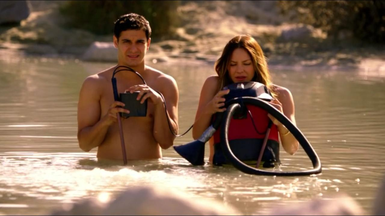 Scorpion S03E23 – Something Burrowed, Something Blew