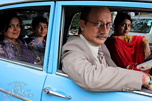 Anupam Kher, Sushmita Mukherjee, Shriya Saran, and Jai Thade in The Other End of the Line (2008)