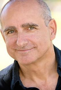 Aktori Dean Cameron