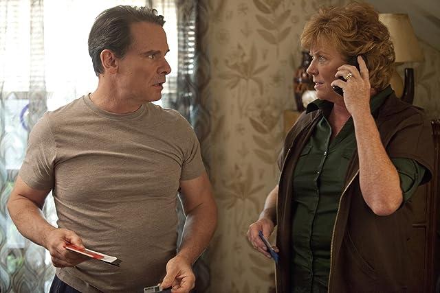 Becky Ann Baker and Peter Scolari in Girls (2012)