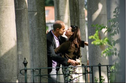 Mark Strong and Polly Walker in Scenes of a Sexual Nature (2006)