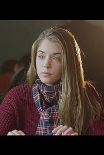 Aktori Alice Isaaz