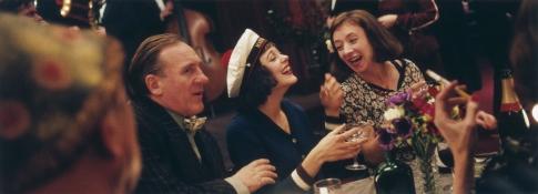 Gérard Depardieu, Marion Cotillard, and Sylvie Testud in La Vie en Rose (2007)